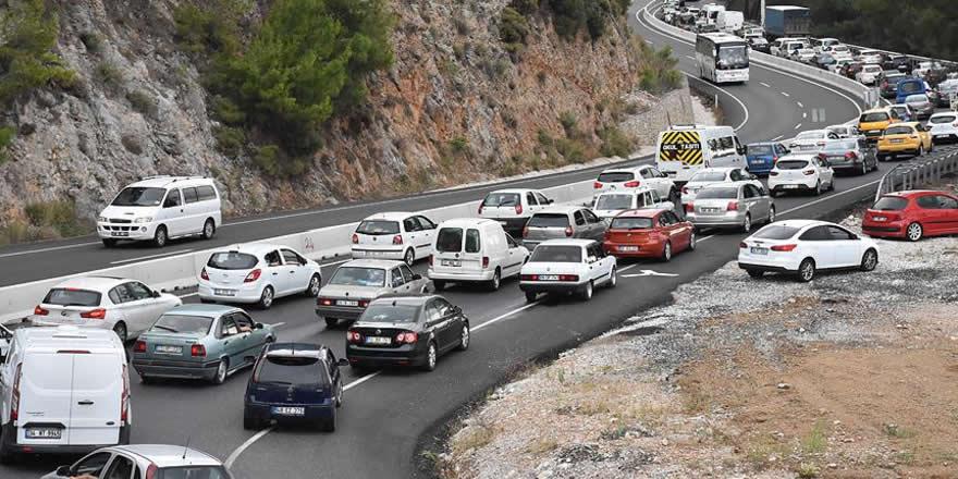 Sürücülere bayram trafiği için uyarı yapılıdı