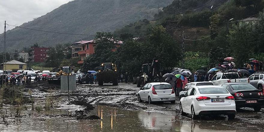 Akçaabat-Düzköy karayolu ulaşıma kapandı