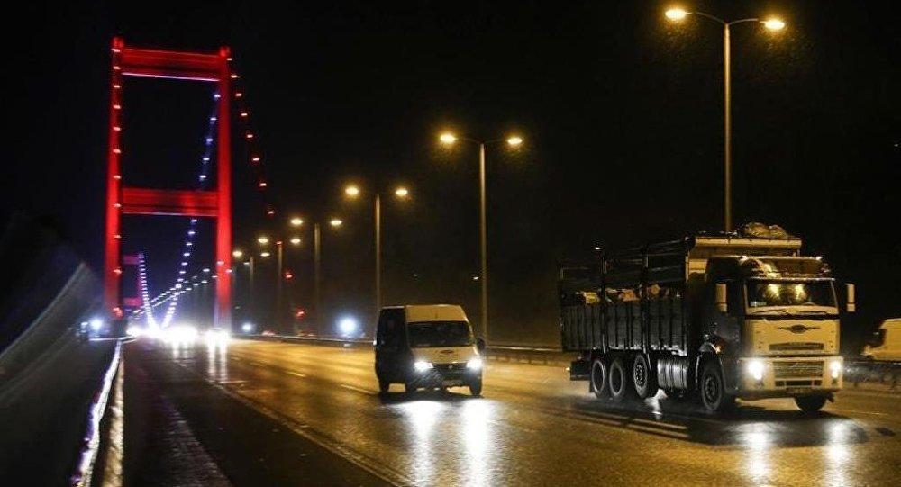 Fatih Sultan Mehmet Köprüsü kamyonet ve minibüslere açıldı