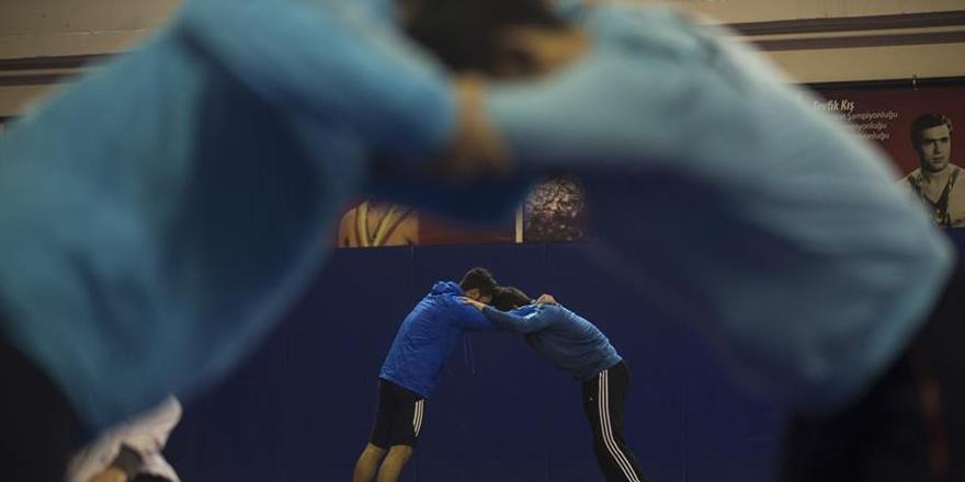 Milli güreşçiler Avrupa Şampiyonası hazırlıklarına başladı