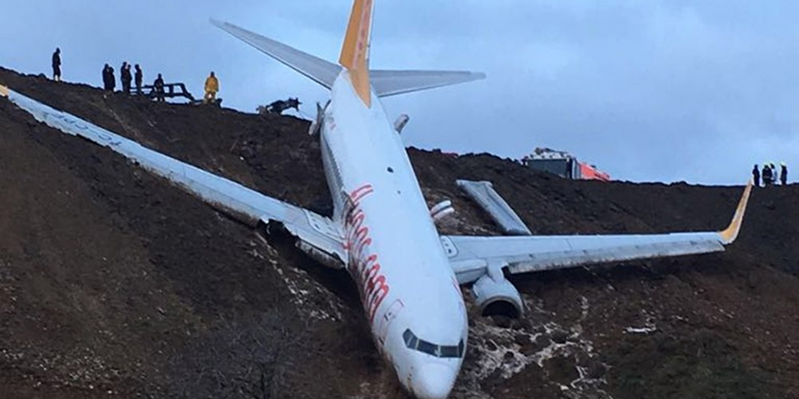 Pistten çıkan uçağın pilotları: Sağ motor aniden hızlandı ve uçak sola savruldu