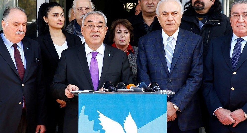 """""""Oy bölünmesini CHP yöneticilerinin bizzat kendileri yapıyor"""""""