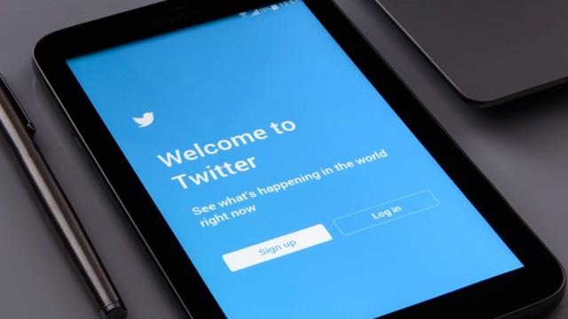 Binali Yıldırım'a iki harfli Twitter hesabı!