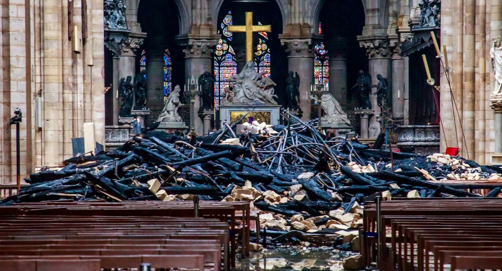 İlk alarm uyarıcı olmamış: Notre Dame'daki yangın 23 dakika sonra fark edilmiş