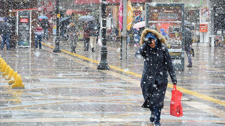 Nisan ayında kar yağışı etkili oluyor