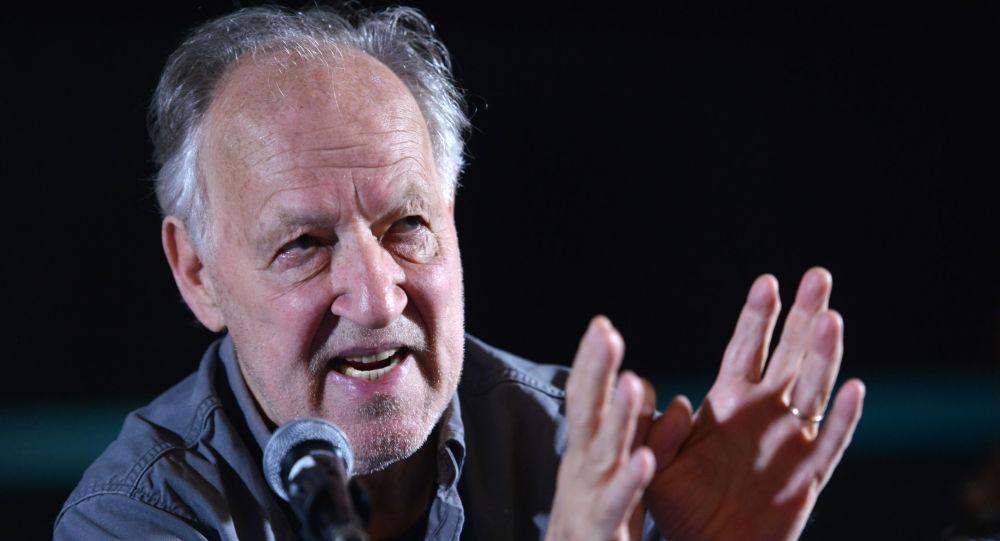 Yönetmen Herzog'dan korsana onay: Filmlerimi internetten indirebilirsiniz