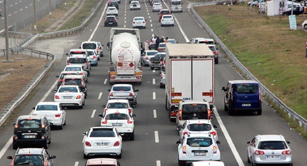 Trafik yoğunluğuna 'düşük emisyon alanı' önlemi
