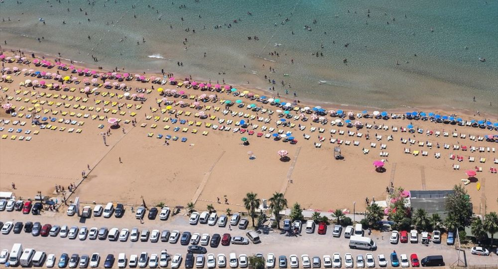 """""""Tatile çıkacak yerli turist sayısında yüzde 15 düşüş bekleniyor"""""""