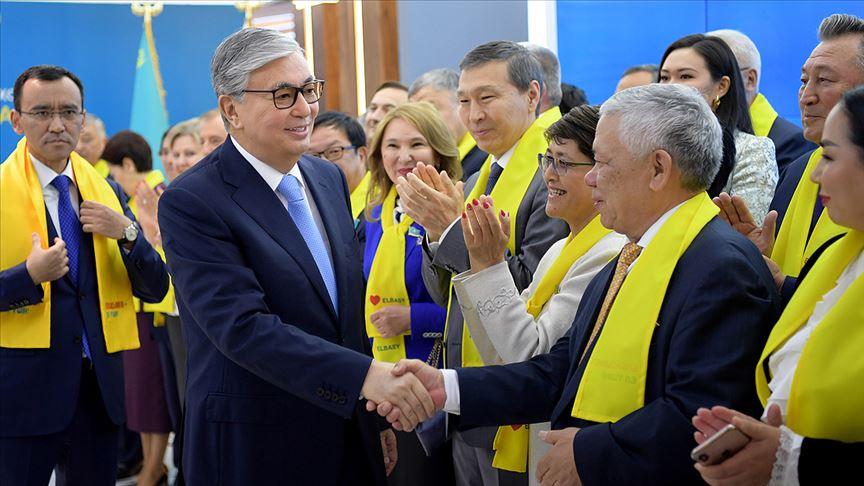 Kazakistan'da cumhurbaşkanlığı seçiminin galibi Tokayev