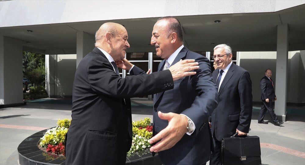 Çavuşoğlu: S-400 savunma sistemi Türkiye'ye gelecek