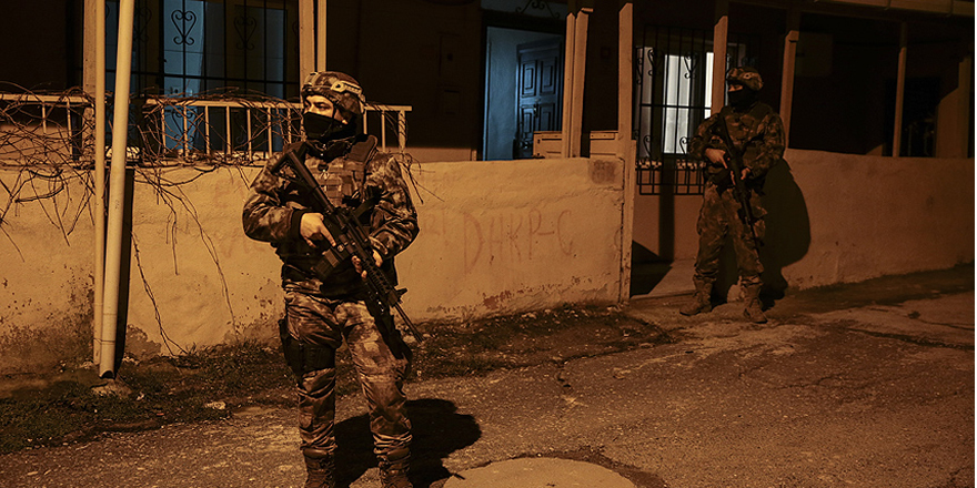 İstanbul'da şafak vakti 'çete' operasyonu