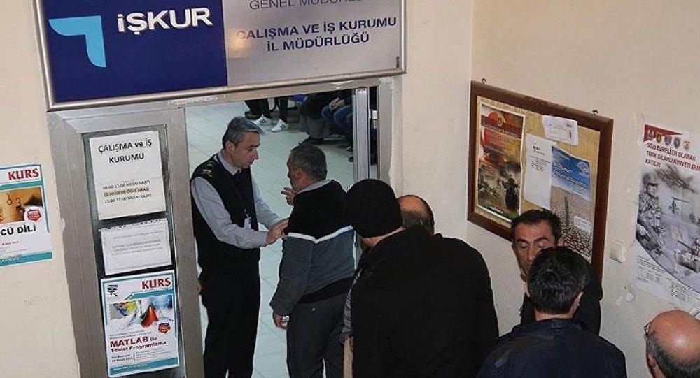 Selçuk: İŞKUR aracılığıyla 571 bin 266 kişinin işe yerleştirildi