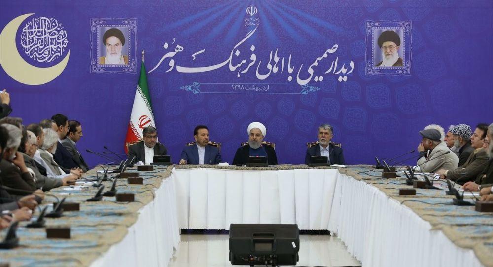 Ruhani: Dışişleri bakanına yaptırım koyup müzakereden söz ediyorsanız, yalan söylüyorsunuz demektir