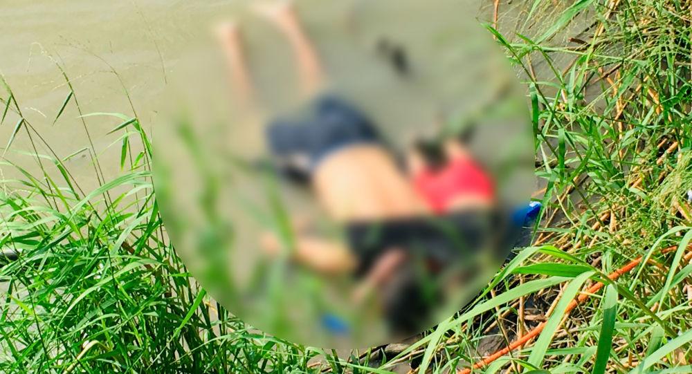 Meksika-ABD sınırında 2 yaşındaki göçmen kız ve babası boğuldu