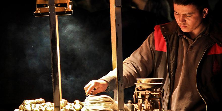 İşte Beyoğlu'nda seyyar satıcı olmanın faturası