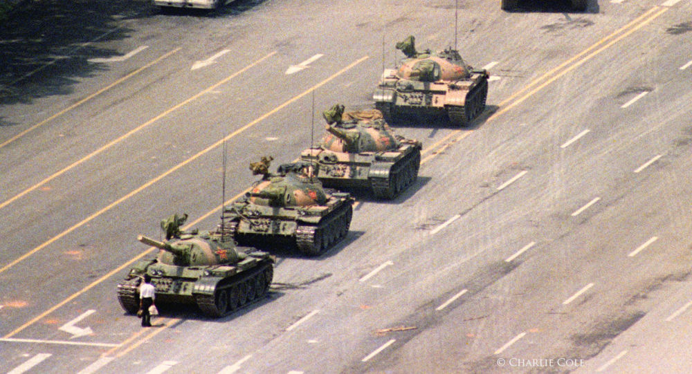 Tinananmen'in meşhur 'Tank Adam'ını görüntüleyen fotoğrafçı Cole öldü