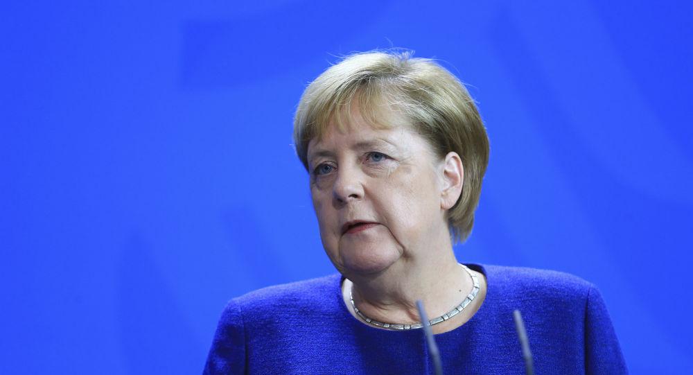 Merkel'den Suudilere silah satışı tekrar yapılmalı çağrısına ret