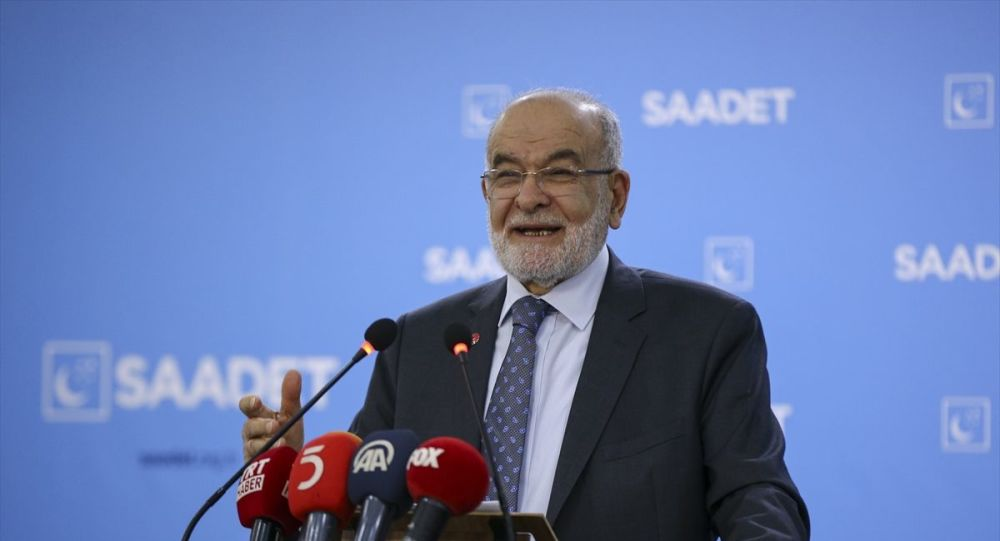 Karamollaoğlu: Cumhurbaşkanı'na Suriye ile mutlaka görüşülmesi gerektiğini söyledim