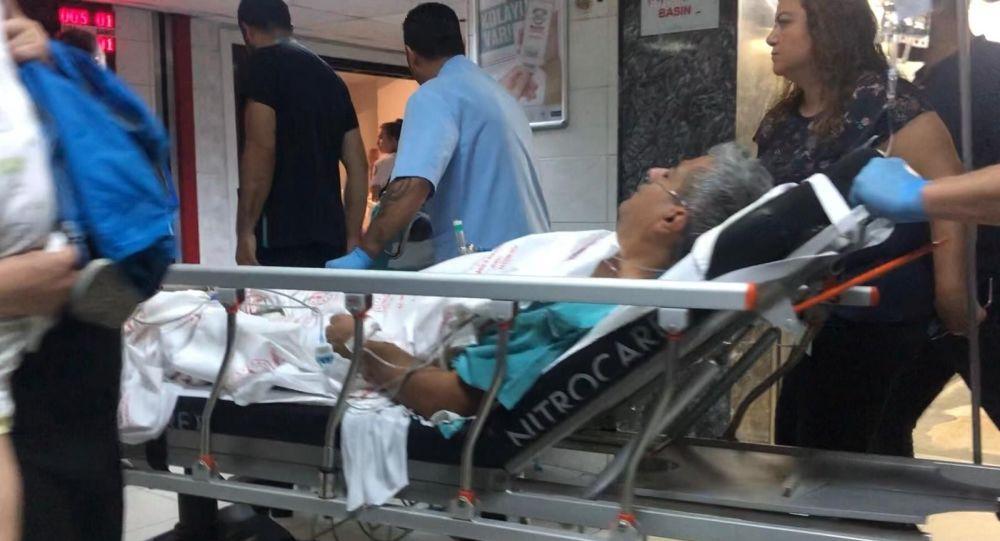 Dişi uyuşmadığı için doktoru bıçakladı