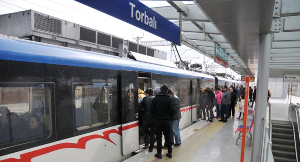 İzmir'de toplu taşıma ücretlerinde değişiklik: Tam bilete zam, öğrenciye indirim