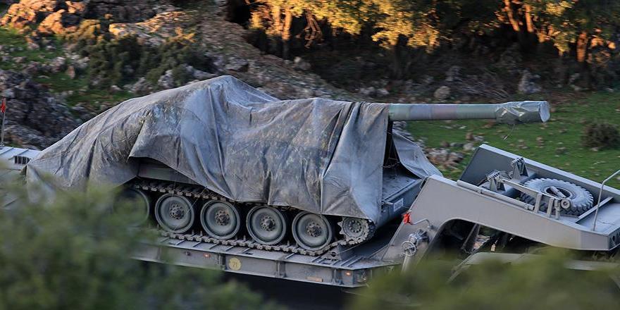 Azez bölgesine askeri araç sevkiyatı yapıldı