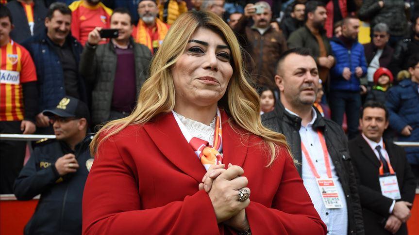 Kayserispor'da Berna Gözbaşı yeniden başkanlığa seçildi