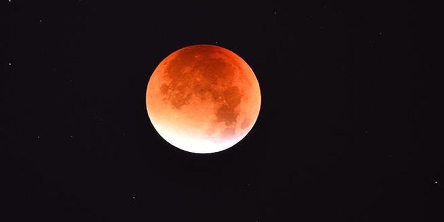 36 yıl sonra 'Mavi Süper Kanlı Ay'