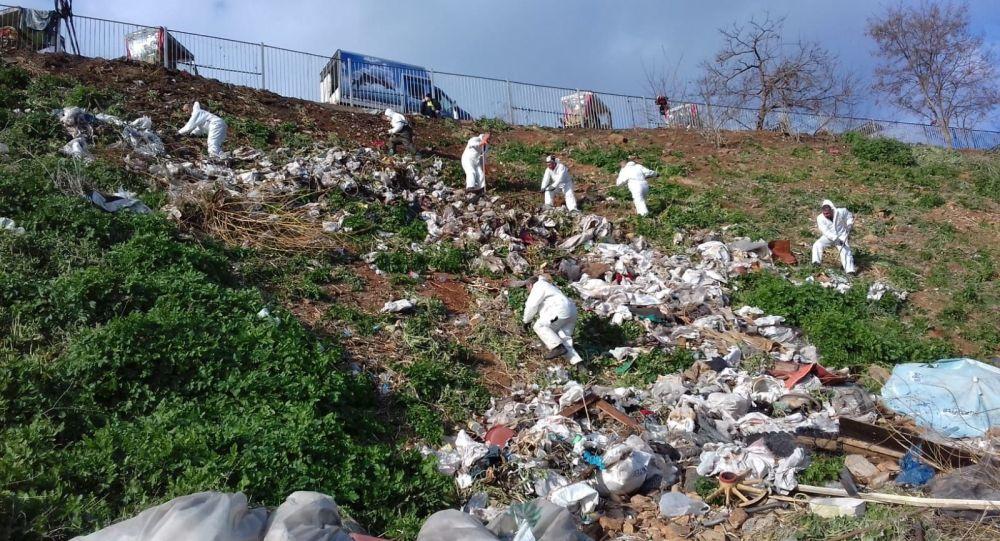 Adalar'da fayton temizliği: 25 ton atık çıkarıldı