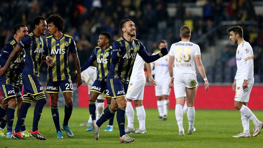 Fenerbahçe çeyrek final biletini iki golle aldı