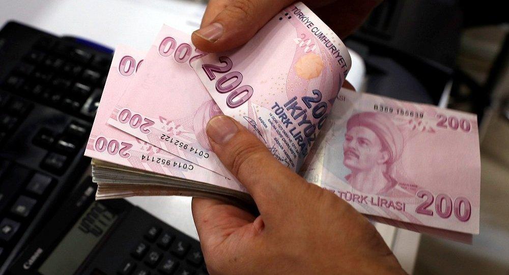 Türk-İş: Ocak'ta 4 kişilik ailenin açlık sınırı 2 bin 219, yoksulluk sınırı 7 bin 229 lira