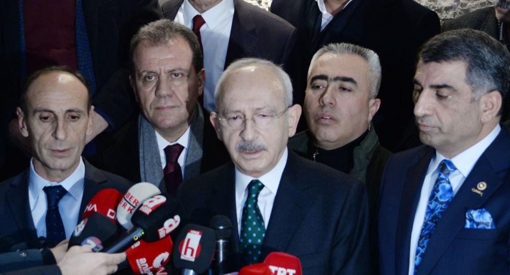 Kemal Kılıçdaroğlu, deprem bölgesinde