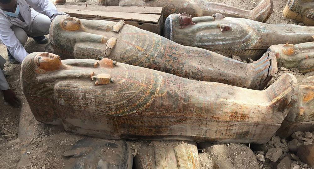 Mısır'da 83 antik mezar bulundu: Bölgede ilk defa kil tabutlar keşfediliyor