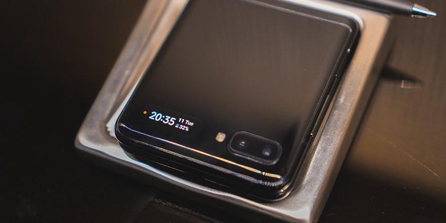 Samsung şimdiden Galaxy Z Flip satışına başladı