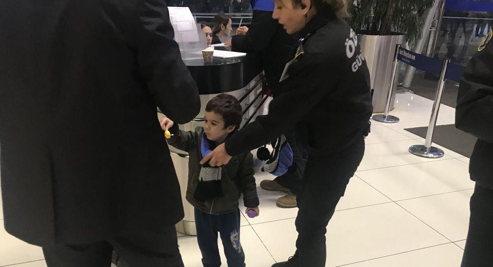 Bursa'da çocuğunu AVM'ye bırakıp kaçan anneye 2 ay 15 gün hapis cezası