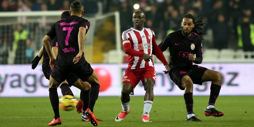 Galatasaray Demir Grup Sivasspor'a mağlup oldu