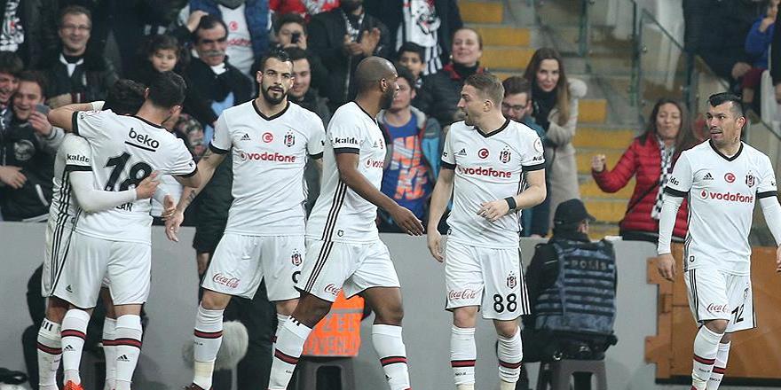 Beşiktaş kupada yarı final için sahaya çıkıyor
