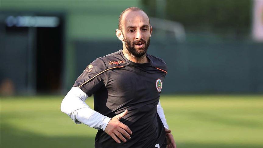 Alanyasporlu futbolcu Efecan Karaca: Ziraat Türkiye Kupası'nı kazanmak istiyoruz