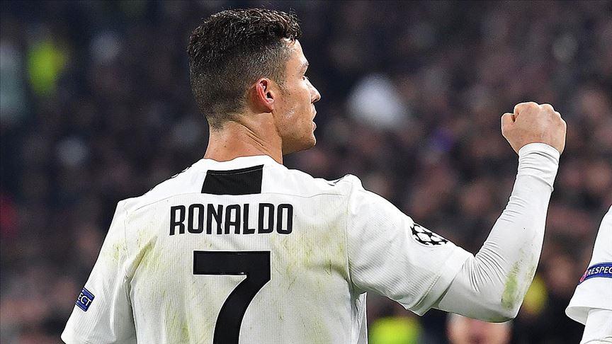 Ronaldo ayaklarıyla basket attı
