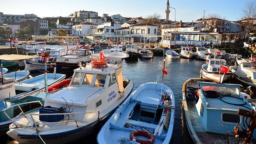 Türkiye'nin en gözde tatil beldelerinden Bozcaada'da günübirlik ziyaretçilere yasak geliyor