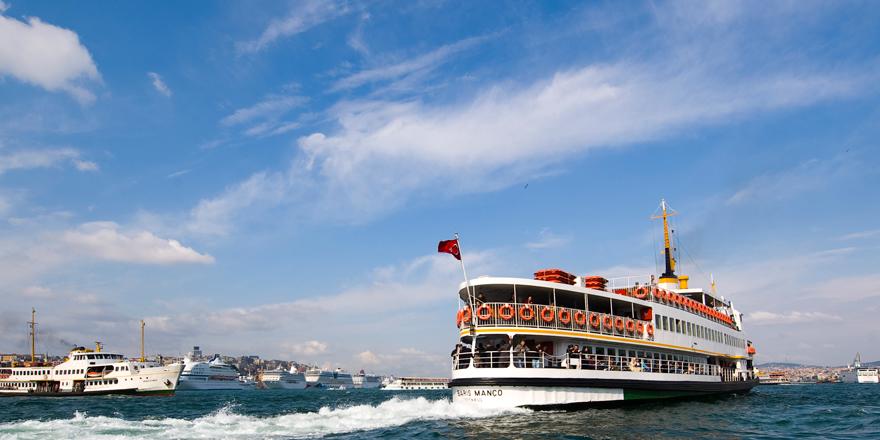 İstanbul Boğazı'nda Can Pazarı