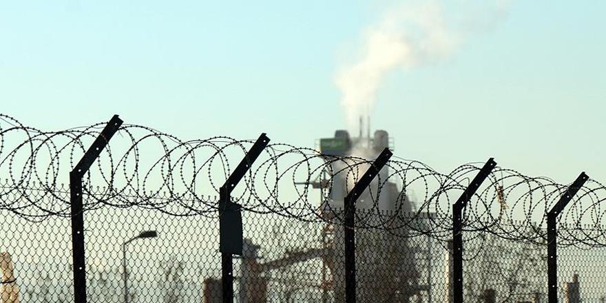 Tuzla'da kokuya neden olan kimyasal madde tespit edildi