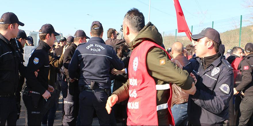 Polis, Ankara'ya yürümek isteyen işçilere müdahale etti: 33 gözaltı